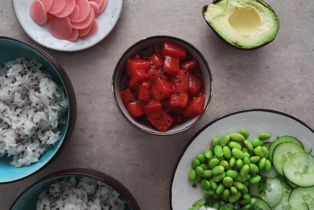 vegan-tuna-poke-bowl