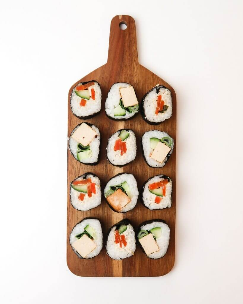 vegan-sushi-carrot-salmon