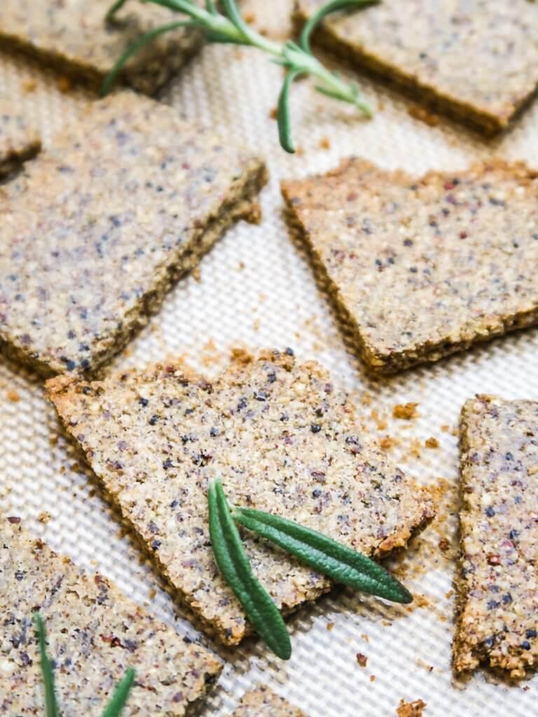 healthy-vegan-crackers