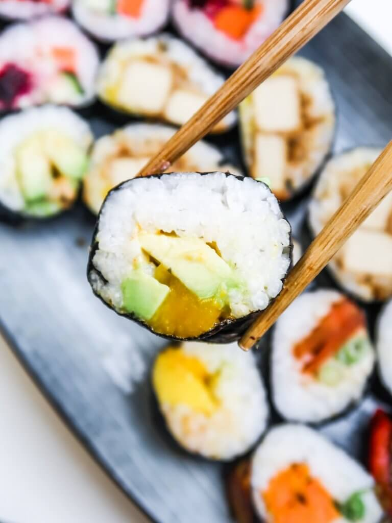 vegan-sushi-rolls-avocado