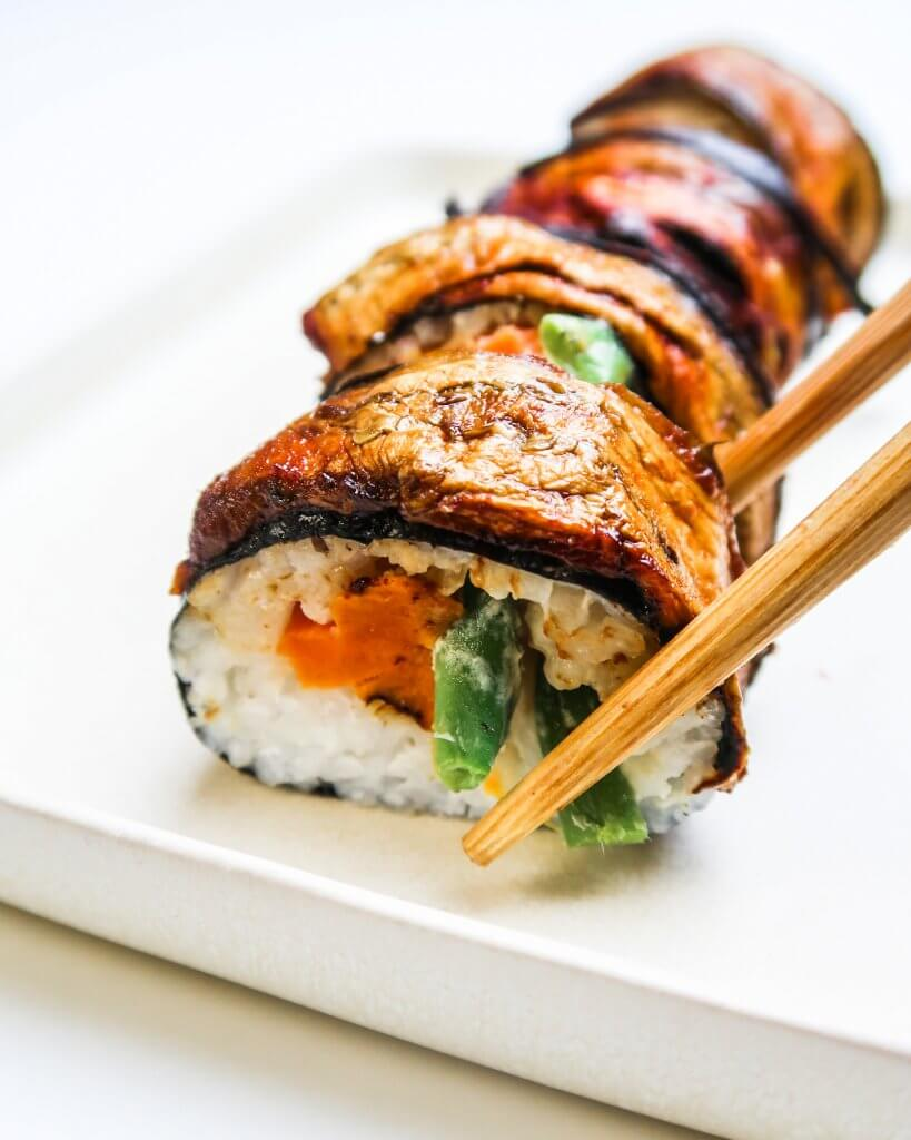 vegan-sushi-roll-with-eggplant-bacon