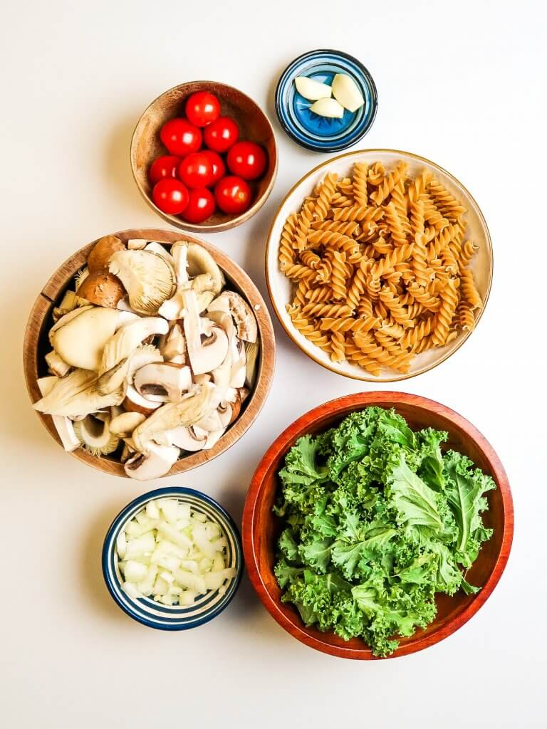 creamy-vegan-mushroom-pasta-ingredients